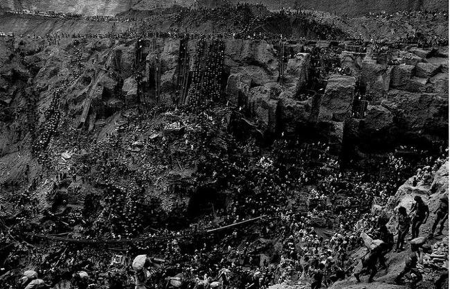 사진 한 장> 크리스티앙 살가두/제네시스:세상의 소금/세라펠라다 금광/1986년