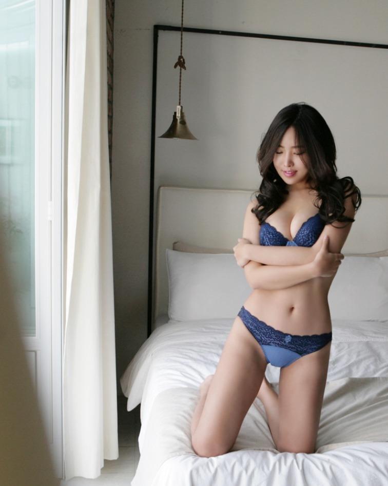 hot lingerie Korean girl